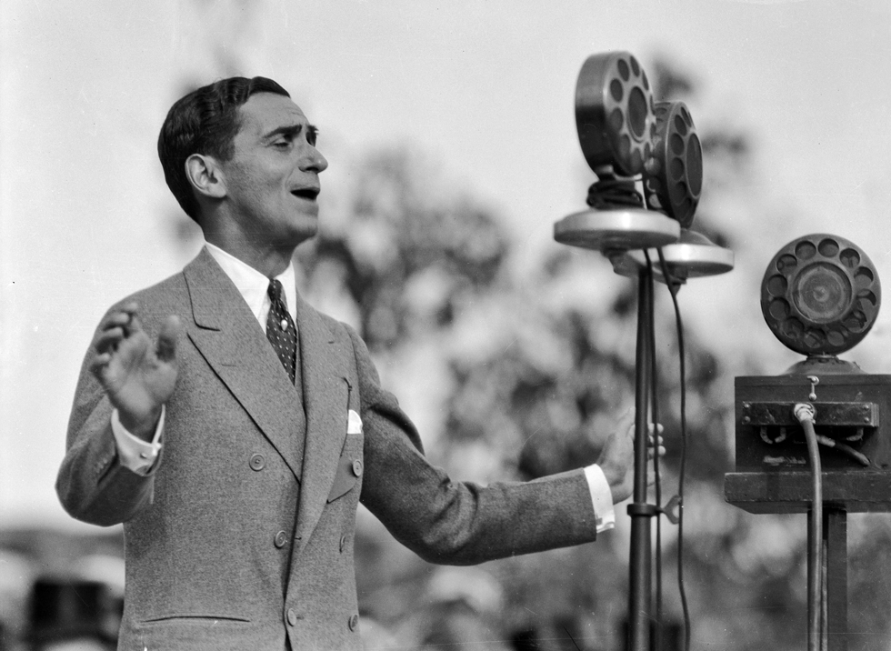 a brief music history of irving berlin a songwriter Hope for america: performers, politics and pop culture political songs home irving berlin (1888-1989) rewrote the song they like ike from his musical call me madam as i he immersed himself in folk music while cataloging and transcribing songs in the library of congress's.